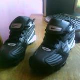 Crampoane Nike marimea 36,5