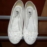 Balerini, pantofi Albi, superbi, nr. 36-37, NOI!