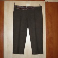 Pantaloni dama, Trei-sferturi, Coffee, Lana - Pantaloni maro din stofa de lana cu garnitura de piele, trei-sferturi, cu dunga