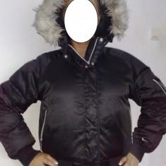Geaca Jacheta iarna dama NIKE originala - material satinat lucios si blanita - model superb - Geaca dama Nike, Negru