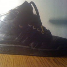Ghete Adidas,de piele originali ,NOI!