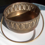 Vas vechi alamă - Metal/Fonta