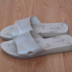 Papuci de dama albi
