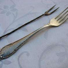 Doua furculite suedeze vechi din alpacca argintata, Tacamuri