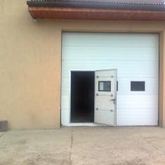 Usa de exterior - Usa de garaj izolata termic cu usa pietonala