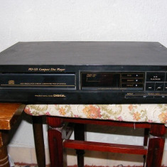 TEAC model PD -135 - CD player