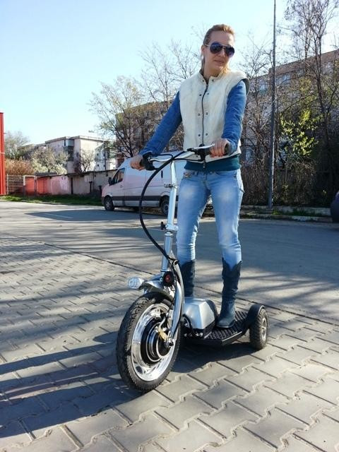 SCOOTER ELECTRIC 3 ROTI, IDEAL PENTRU PLIMBARI IN AER LIBER foto mare