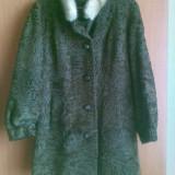 Palton astrahan din blana naturala nemtesc marimea 40,este nou!