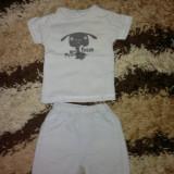 Pantaloni+tricouas marime 50