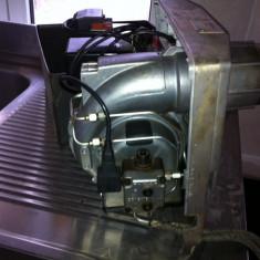 Injector combustibil lichid cu preicalzitor