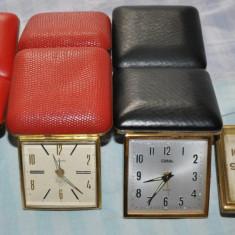 Ceas de mana - Ceasuri de masa vechi functionale
