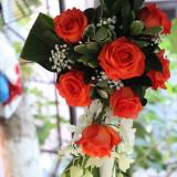 Lumanare de nunta din trandafiri corai si orhidee dendrobium - Decoratiuni nunta