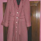 Palton dama - SUPER REDUCERE ! Palton elegant marimea 48-50, lung, matlasat pe interior, foarte util pentru iarna