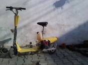 Trotineta cu Motor pe benzina foto