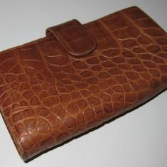 Portofel dama FURLA, piele coniac, model crocodil, folosit dar stare buna - INCAPATOR!!!, Camel, Cu inchizatoare