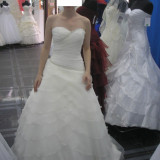 Rochie mireasa-Marimea M. realizata de casa de moda Florentza