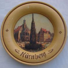 Farfurioara decorativa din lemn, reprezentand Nurnberg - Sculptura