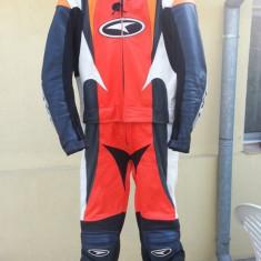 Vand costum moto din piele din 2 bucati marca axo - Imbracaminte moto Nespecificat
