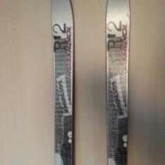Skiuri Rossignol cu legaturi 185