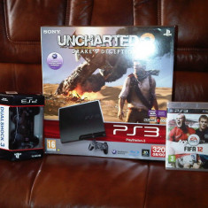 VAND PlayStation 3 Sony Slim 320 GB + 2 controlere + 6 jocuri: Battlefield 3, MW3, LA Noire, Max Payne 3, FIFA 2012, Call of Duty 4
