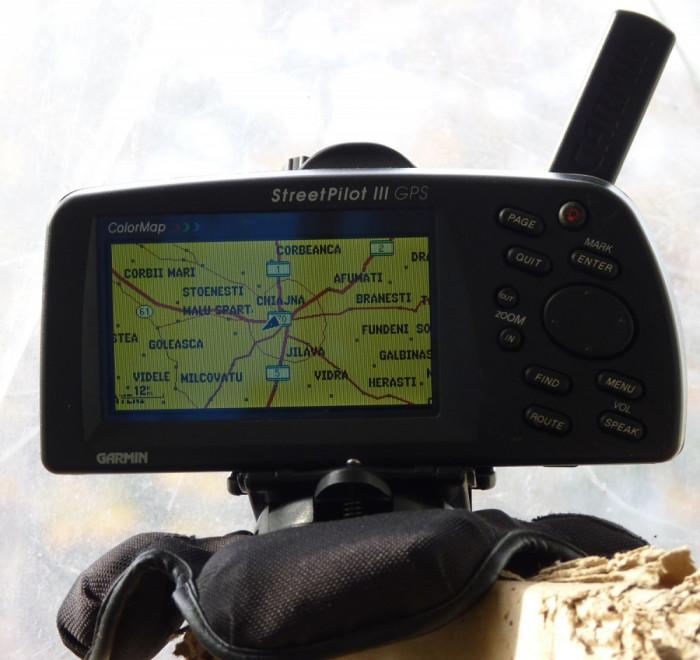 Garmin Street Pilot III pentru activitati outdoor, barca sau offroad (protejat la apa, etc) foto mare
