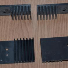 Radiatoare din aluminiu pentru tranzistoare.