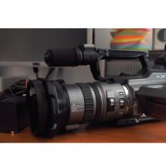 Vand Sony vx 2100 E 2 buc + acesorii sau schimb auto de preferinta diesel chiar si neinmatriculat - Camera video auto