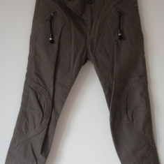 Blugi dama - Pantaloni/blugi Diesel, originali 100%, marimea 27, bumbac 100%, noi cu eticheta, maro