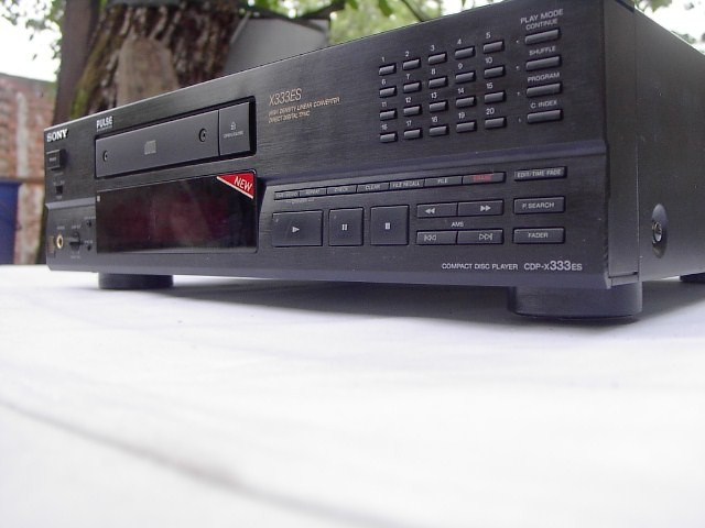 CD Player Sony CD B - X 333 ES foto mare
