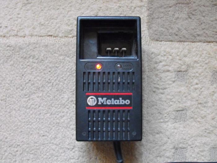 Incarcator Acumulator  Metabo foto mare