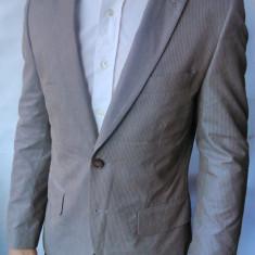 Probare Sacou H&M m46/S barbati crem striat slim fit(Manechin 1.75cm/ 73 kg) - Sacou barbati H&m, Culoare: Bej, 2 nasturi, Normal