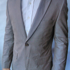 Sacou barbati H&m, 2 nasturi, Marime sacou: 46, Normal - Probare Sacou H&M m46/S barbati crem striat slim fit(Manechin 1.75cm/ 73 kg)