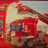Masina de pompieri tip lego, 300 piese, jucarie constructiva, Loongon 18401 - Jocuri Seturi constructie