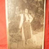 Fotografie- Femeie in costum popular , interbelica