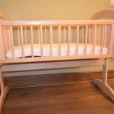 Patut lemn pentru bebelusi, 0-6 luni, 120x60cm, Crem - Patut balansoar din lemn pentru bebelusi