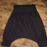 pantaloni dama harem scuti pana la genunchi CAMAIEU brand francez, superbi, de vara, L REDUCERE FINALA O TREIME