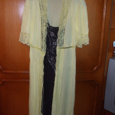 Halat de casa galben cu dantela marime 42/44 - Halat dama, Culoare: Negru