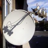 Antena satelit