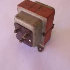 TRANSFORMATOR CURENT ELECTRIC 220 V - 13 V, 15 V - Invertor curent