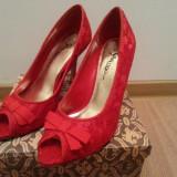 Pantofi dama cu toc decupati din dantela, Marime: 37, Culoare: Rosu, Textil