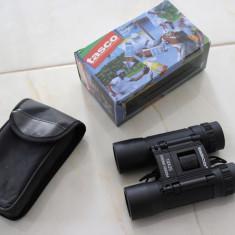 Binoclu vanatoare - Binoclu Tasco Essential 10x25 Carcasa Cauciucata Mic De Voiaj + Husa + Curea Gat