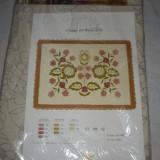 Tapiterie Goblen - Panza pentru goblen (desen flori si atele aferente), NOUA