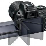 De vanzare NIKON D5100 + Obiectiv 18-105 + card 8GB + Geanta si accesorii