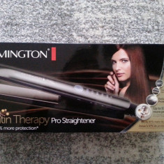 Placa pentru indreptat parul Remington Keratin Therapy Pro S8590 NOU SIGILATA