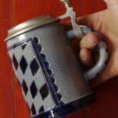 Halba de bere din ceramica cu capac de zinc model deosebit !!!