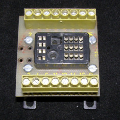 Soclu releu 16 contacte cu montaj panou si reglete conexiune