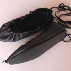 Balerini dama, Negru - Opinci cu talpa