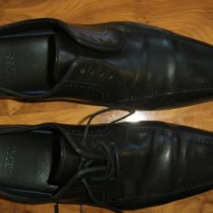 Pantofi originali HUGO BOSS marimea 41 super pret - Pantofi barbati Hugo Boss, Culoare: Negru, Piele naturala