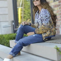 Jacheta dama Zara, Poliester - Noua! Jacheta bomber model floral, marca ZARA, femei marimea M