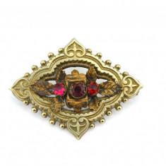 Brosa aurita, anturaj cristale czech ruby, Art Nouveau, model antic edwardian - Brosa placate cu aur
